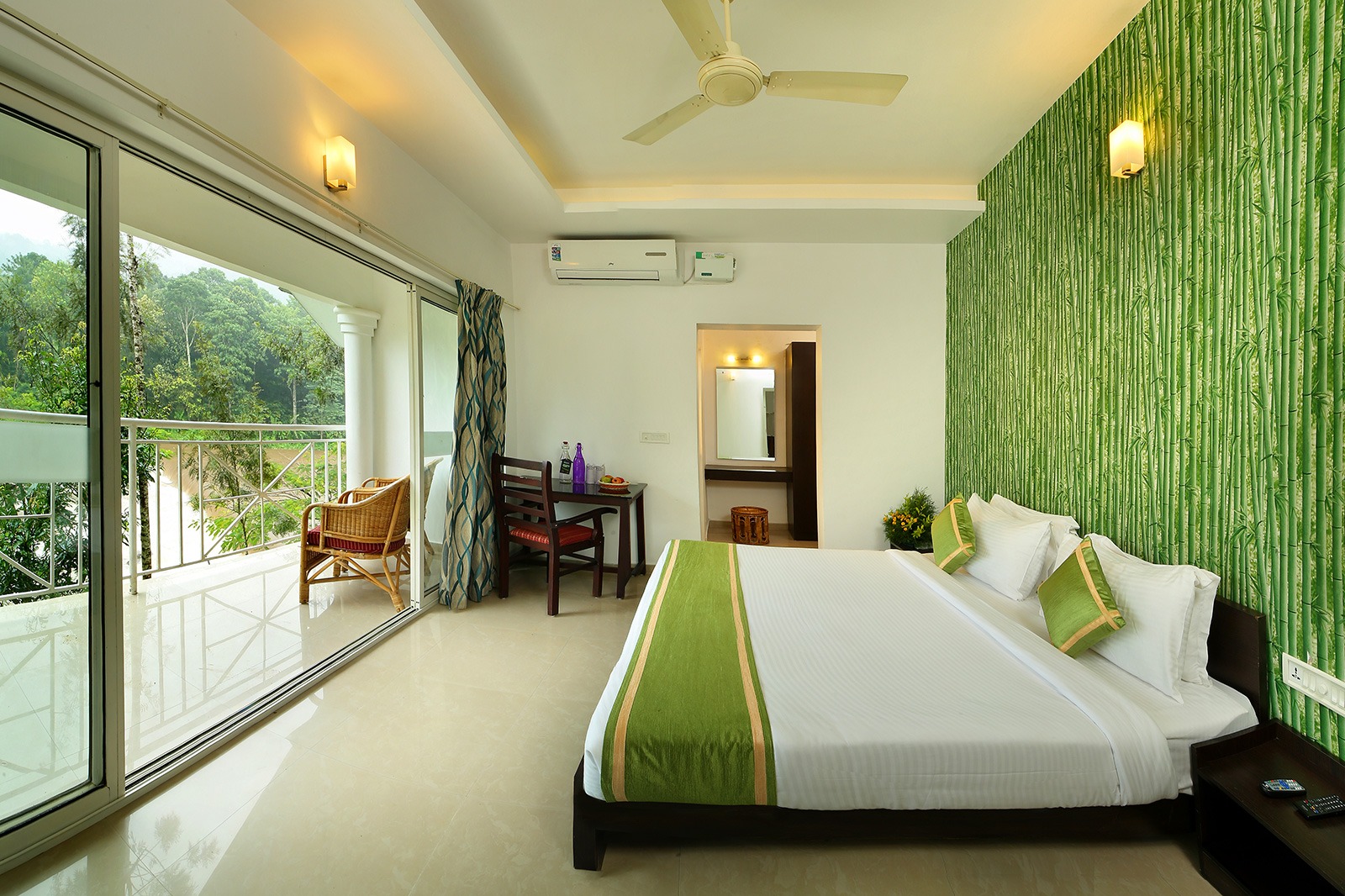 Rooms - honeymoon resorts in munnar